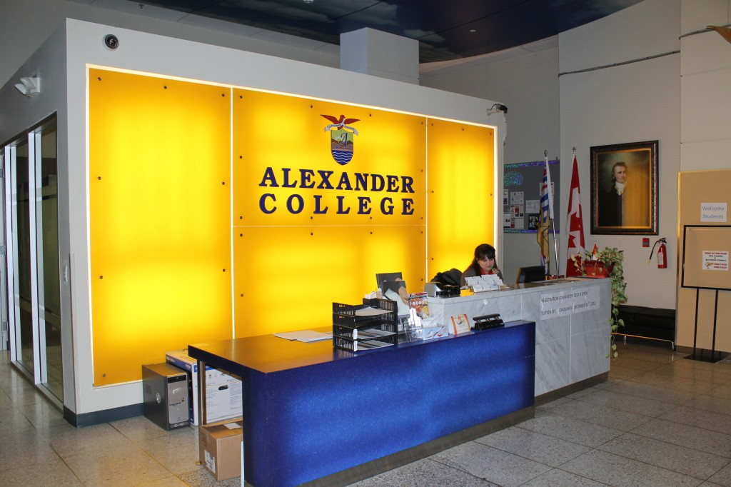 Alexander-College-Reception-Desk