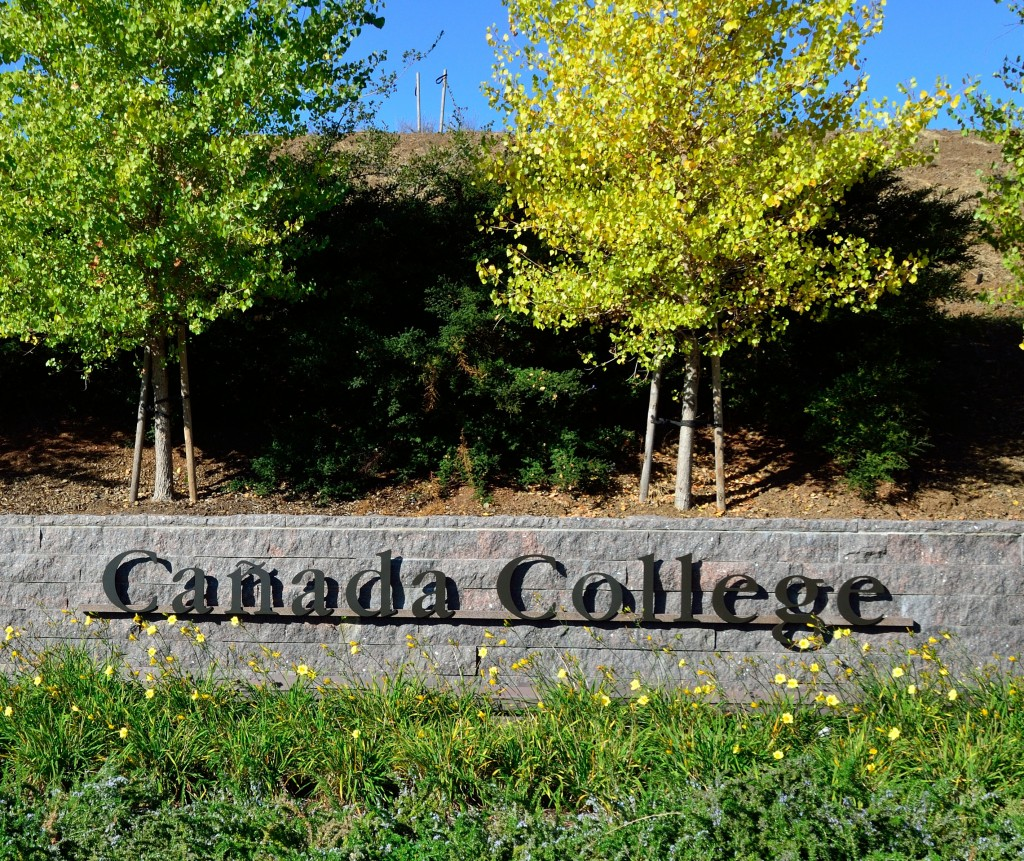 http://duhoccanadachuyennghiep.com/wp-content/uploads/2015/01/Main_entrance_to_Canada_College-1024x861.jpg